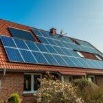 Hoe kun je het geluid van een omvormer bij zonnepanelen tegengaan